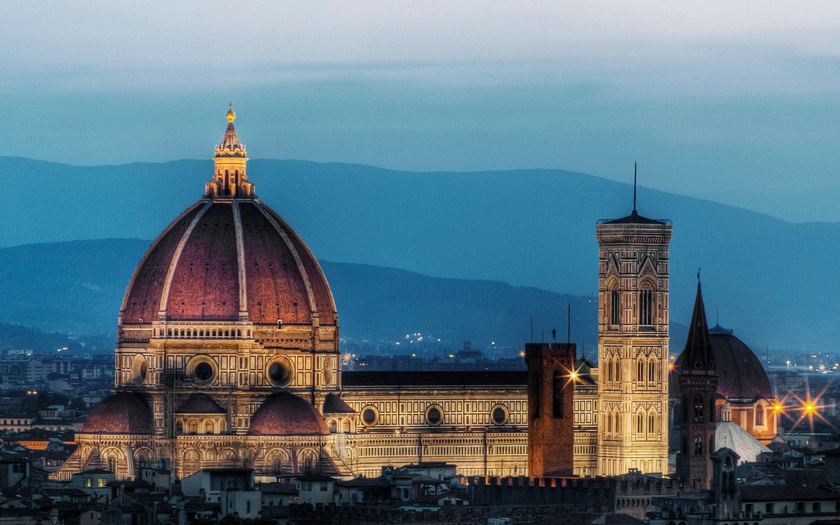 Busca vuelos a Florencia en cientos de webs de viajes en segundos
