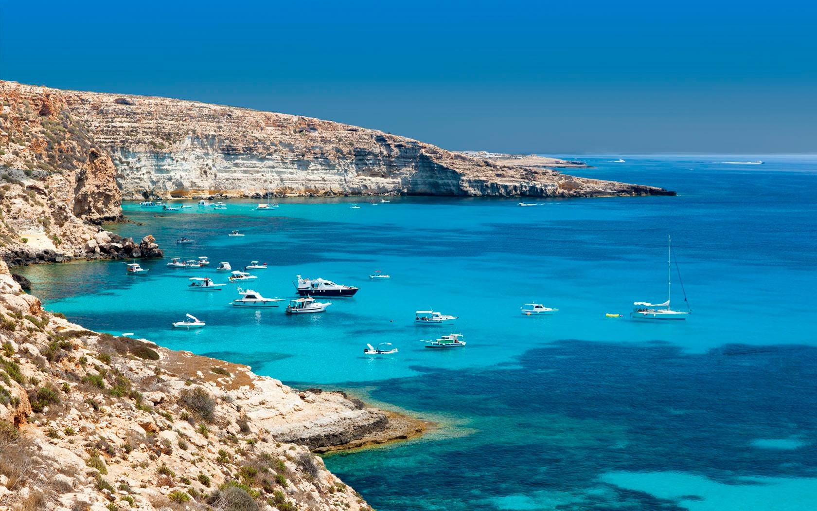 Voli per Lampedusa low cost - Trova il tuo volo | Vueling